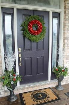 Decorations Front Door by How To Decorate Your Front Door For The Holidays The