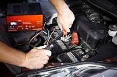 Die Autobatterie Ist Leer Was Tun 187 Hier Informieren
