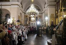 russians and putin celebrate orthodox in pictures