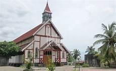 Gereja Tua Sikka Bangunan Kuno Gaya Eropa Berpadu Motif
