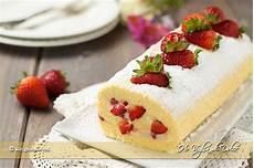 rotolo crema e fragole rotolo con crema e fragole che bont 224 ho voglia di dolce