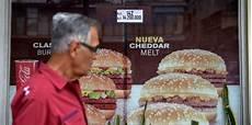 Mcdonalds Happy Meal Preis - venezuelas hyperinflation mcdonald s happy meal kostet