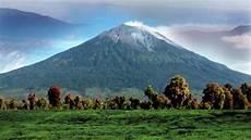 Kondisi Gunung Kerinci Jambi Pasca Erupsi Pada Sabtu Pagi