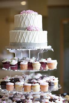cupcakes cake trendy traditional minnesota wedding cakes bellagala