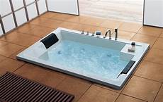 badewanne 2 personen freistehende whirlpool badewanne f 252 r 2 personen haus ideen