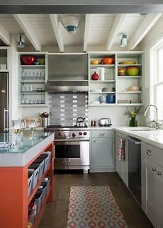 scaffali da cucina scaffali da cucina come organizzare le mensole