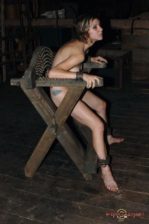 Public Post Nude Pic