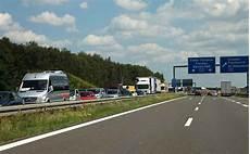 Nichts Geht Mehr Verhalten Bei Stau Auf Autobahnen
