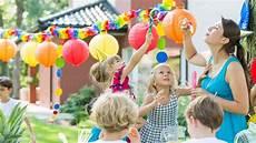 idee jeux anniversaire enfant jeux anniversaire enfant des jeux en int 233 rieur pour les