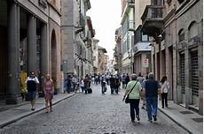 corsi pavia zone di shopping a pavia