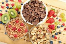 cereals rich in whole grains and fiber can lower risk for early death
