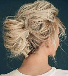 15 chic christmas hairstyles for medium length hair styleoholic