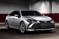2020 toyota avalon review autotrader