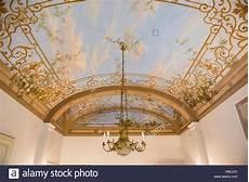 soffitti dipinti interno di una villa toscana con trompe l oeil soffitti