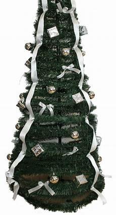 weihnachtsbaum kunststoff weihnachtsbaum aus kunststoff 60 sekunden aufbau