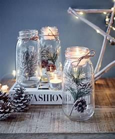 weihnachtliche deko im glas deko teelichtglas zapfen kleiner nat 252 rlicher zweig mit