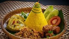 Cara Membuat Nasi Kuning Khas Tradisi Jawa Komplit Dengan