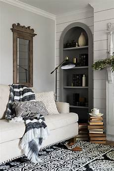 Joanna Gaines Magnolia Home Decor Ideas by This Rug Those Pillows That Throw Blanket All Part Of