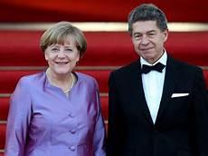Topf Voll Gold Ehe Krise Bei Angela Merkel Arme Angie