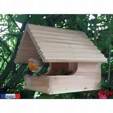 fabriquer un nichoir pour oiseaux un nichoir ouvert pour le plus grand plaisir des oiseaux de votre jardin id 233 es nichoir