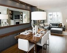wohnzimmer mit küche ideen dekovorschl 228 ge f 252 r wohnzimmr mit essplatz spiegel an der wand zimmer esszimmer ideen