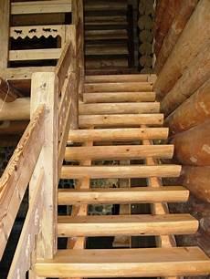 escaliers maison bois rond