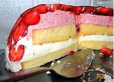 Mai Rezept - mai torte mit erdbeeren und waldmeister enomi s