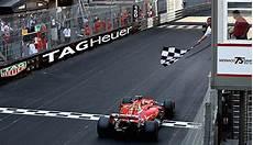 Formel 1 Daniel Ricciardo Beim Triumphiert Beim Gp Monaco