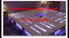 bett selber bauen paletten palettenbett selber bauen
