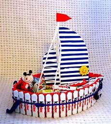 torte aus kinderriegeln torte schiff mit kinderriegeln f 252 r einen kleinen matrosen