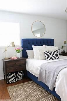 Bedroom Ideas Blue Headboard by Best 25 Navy Headboard Ideas On Blue