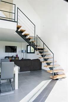 escalier en acier escalier en m 233 tal limon central et rambarde acier