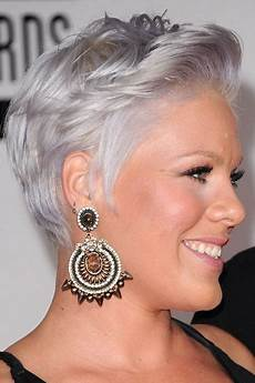 kurze haare grau graue haare frisur