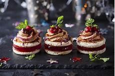 verrines de fetes apéritif quinze recettes festives de verrines toasts ou cakes pour