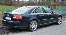 file audi s8 v10 black with blue fence jpg wikimedia commons