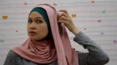 Tips Cara Menggunakan Jilbab Pashmina Kaos
