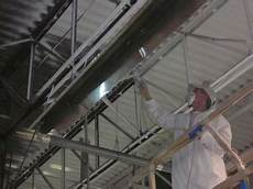 pistolet peinture plafond peinture commerciale pour les entreprises comme ce garage