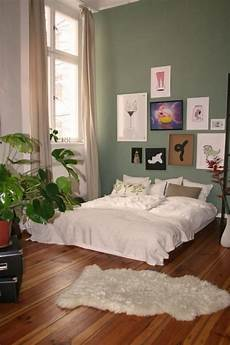 schlafzimmer dekorieren gemütlich gro 223 es gem 252 tliches schlafzimmer in berliner wohnung