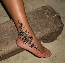 tatouage henné permanent 50 catchy ankle designs for