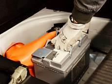 Autobatterie Laden So Macht Es Richtig