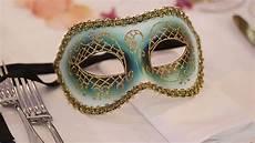 Tischplatzdeko Mit Faschingsmasken Selber Machen