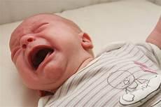 comment faire un bébé comment faire taire un b 233 b 233 qui pleure sans arr 234 t
