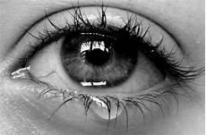 1001 traurige bilder und spr 252 che die sie zum weinen bringen