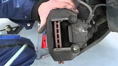 changer plaquette de frein arriere changer des plaquettes de frein conseil m 233 canique
