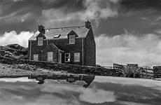 Haus Schwarz Und Weiß - aktuelle news geschichten aus irland