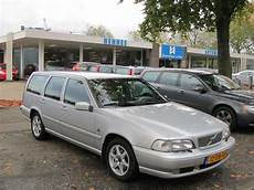 hayes car manuals 2005 volvo xc70 security system 2000 volvo v70 manual backup volvo v70 2000 2007 used car review car review rac drive
