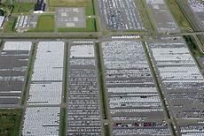 ber vw parkplatz parkh 228 usern bis flugh 228 fen ab august muss vw autos zwischenlagern