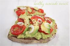 Avocado Auf Brot - what ina healthy week schneller avocado snack