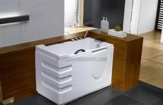vasche da bagno basse arredamento bagno vasche ad accesso facilitato per