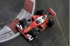 Formel 1 Statistik Singapur Vettel Mit Rekordfahrt